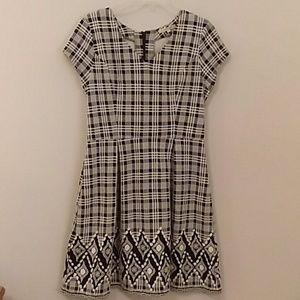 41 Hawthorn Stitch Fix black& white plaid dress